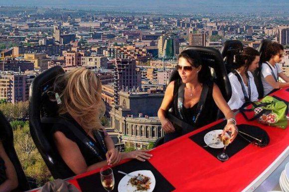 Головокружительный гастрономический аттракцион в небе над Ереваном!